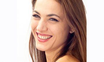写真家松岡伸一が撮影したルーマニア人モデルのポートレート
