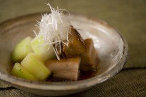 松岡伸一が豚の角煮を撮影した料理写真