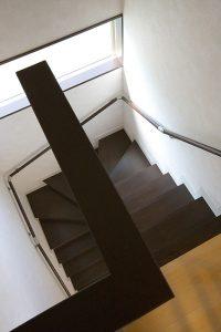 階段を撮影した物件写真