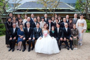 出張釜ラマンが横浜の結婚式場て撮影した参列者の集合写真