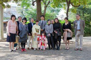 松岡伸一が撮影した七五三記念日の家族の集合写真