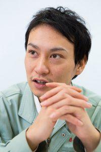 会社スタッフの顔写真