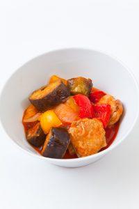 出張カメラマンが東京のキッチンスタジオで撮影したトマトソースの料理写真