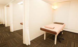 出張フォトグラファーが撮影した横浜の鍼灸院診療室の写真