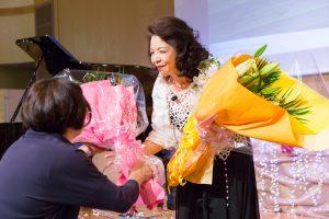 イベントでの花束贈呈